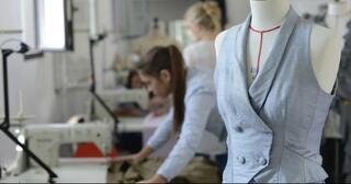 selain-jadi-fashion-designer-inilah-6-pekerjaan-khusus-di-bidang-mode